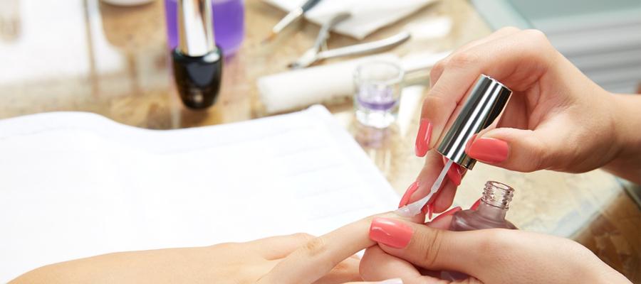 matériel de manicure